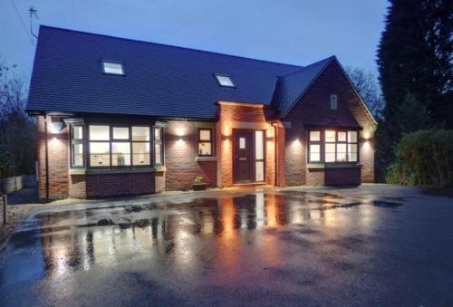 HIDDEN GEM Luxury house in Leicester