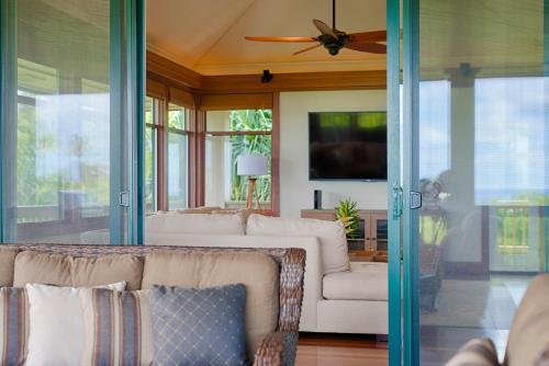 Mauna Pua - A Four Bedroom Vacation Rental Home