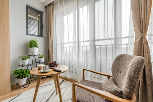 . Simple Fashion Apartment (Near to Taishan and Railway Station)