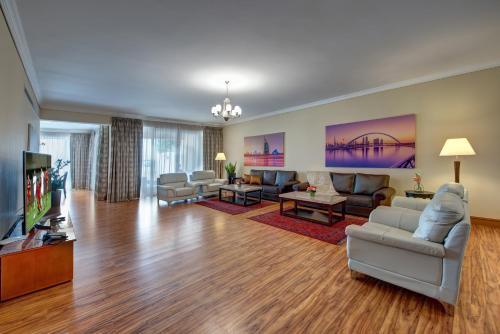 J5 Villas Holiday Homes Barsha Gardens