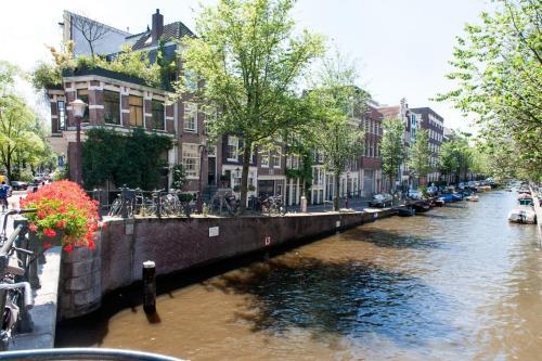 Blossom Canal Apartment photo 4