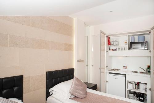NOX HOTELS - Kensington - Photo 8 of 79