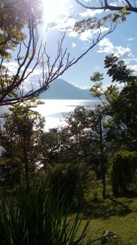Carretera a San Antonio Palopó km 6.8, San Antonio Palopó, Guatemala.