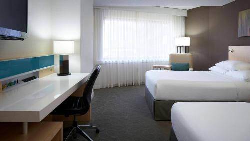 Delta Hotels By Marriott Quebec - Photo 6 of 36