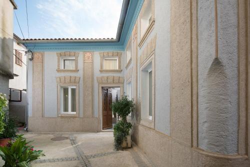 Mondinica Heritage House Dobrinj