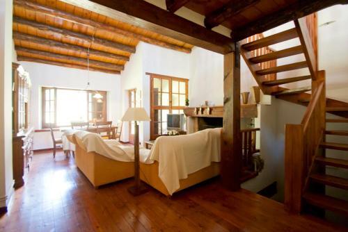 H4, Bordes d'Arinsal, Triplex Rustico con chimenea, Arinsal, Zona vallnord - Apartment - Mas de Ribafeta
