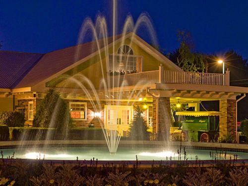 . Colonel Williams Resort and Suites
