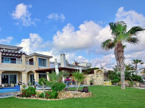 Villa Mia Sea Front