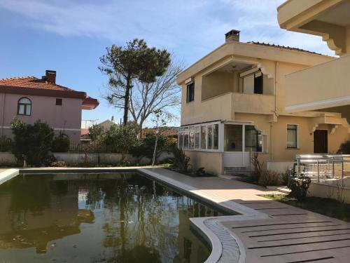Sofular Şile Alacalı'da Yazlık Yüzme Havuzlu Villa fiyat