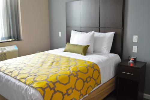 Voyage Hotel - Queens