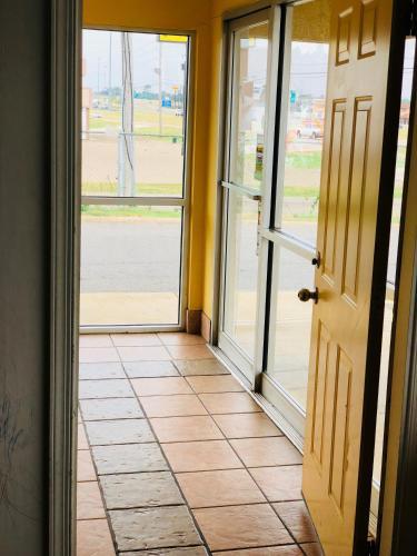 Country Host Inn - Texarkana, AR 71854
