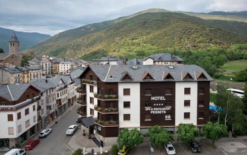 . Hotel Restaurant Pessets & SPA