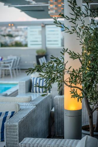 Radisson Blu Park Hotel, Athens 10, Alexandras Av, 10682 Athens, Greece.