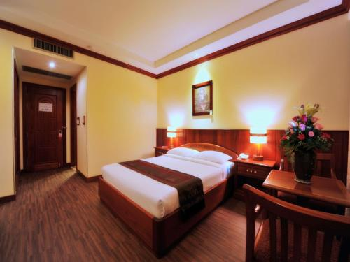 City River Hotel room photos