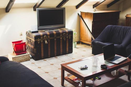 Traveler's Den - Rooms in spacious loft, 51000 Rijeka