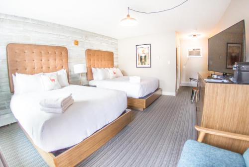 Lamphouse Hotel - Canmore, AB T1W 2B5
