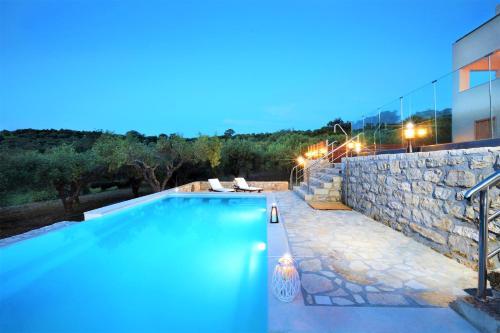 disCrete Villa Lappa