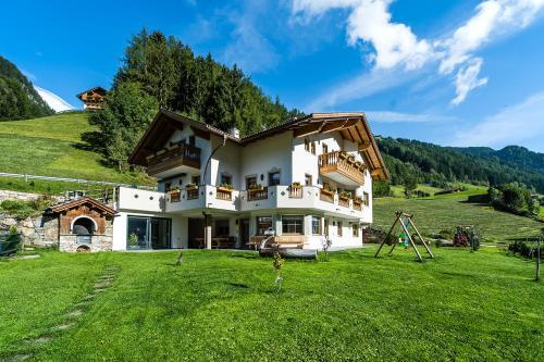Alpenappart - Apartment - Cadipietra / Steinhaus