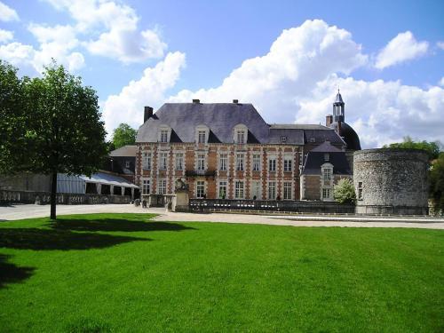 . Le Château D'Etoges - Les Collectionneurs