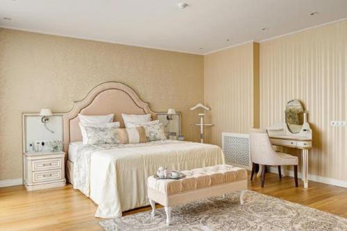 . Grand Hotel Zvezda