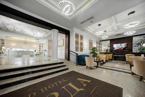 ba9890e1fc4 Гранд Отель Звезда 4