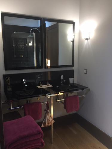 Deluxe Suite mit Whirlpool Posada Real Torre Berrueza 9