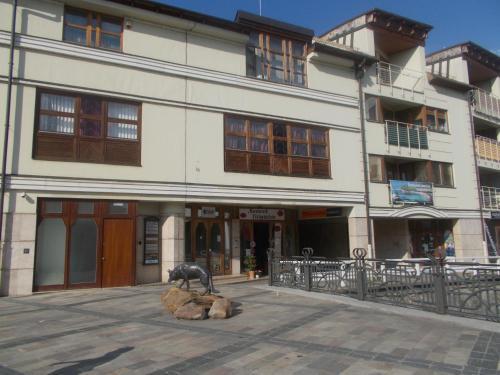 Retron Szinva-Lux, Pension in Miskolc