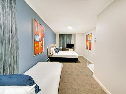 28 Hotel - image 6
