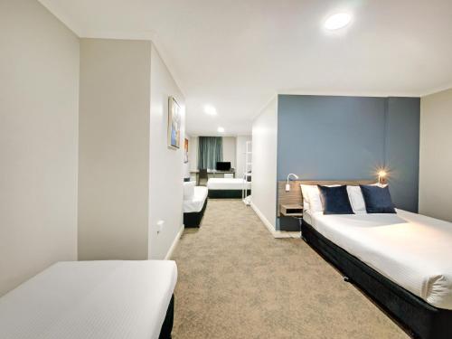 28 Hotel - image 8