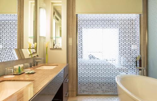 Hilton Dubai Al Habtoor City photo 17