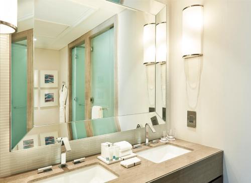 Hilton Dubai Al Habtoor City photo 31