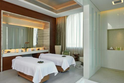 Hilton Dubai Al Habtoor City photo 32