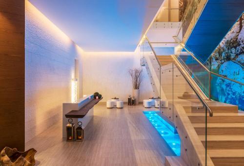 Hilton Dubai Al Habtoor City photo 37
