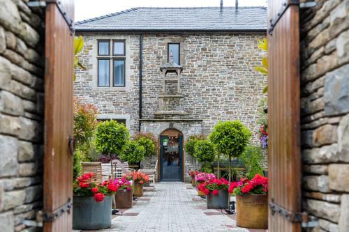 . Lanelay Hall Hotel & Spa