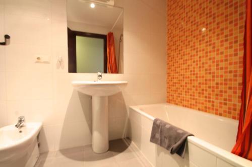 Av Carlemany, Centro comercial - Apartment - Les Escaldes