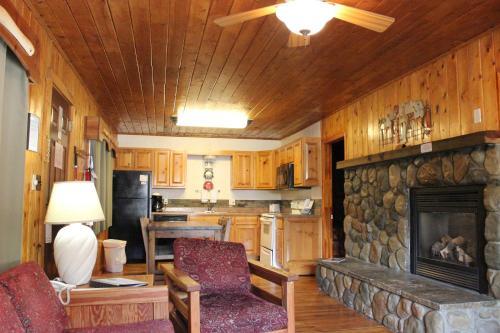 . Copper King Lodge