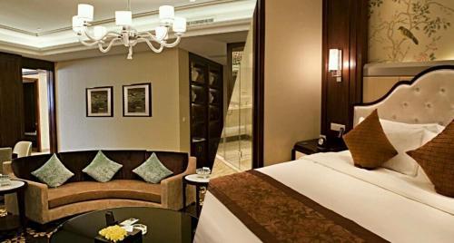 . Ondine Oriental International Hotel