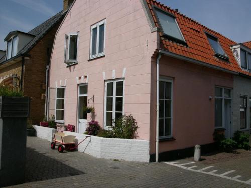 Dar Cho Apartment, Pension in Zandvoort