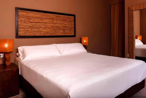 Chillout Hotel Tres Mares, Ctra Cádiz-Málaga, km 76, 11380 Tarifa, Cádiz, Spain.