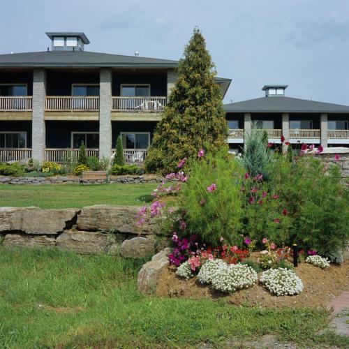 Highlands Four Season Resort - Accommodation - Calabogie