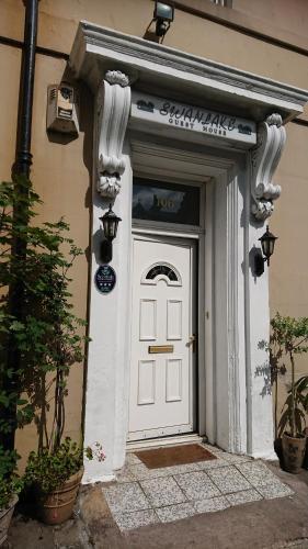 Swanlake Guest House (B&B)