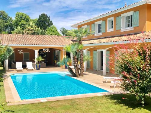 Villa luxueuse avec piscine sur les hauts de Biarritz