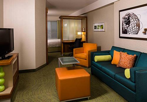 SpringHill Suites by Marriott New York LaGuardia Airport - image 6