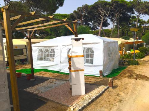 Hippie Chic Caravan - Beach Camping, Almada