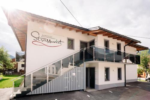 . Apartmenthaus Strasswirt De Luxe