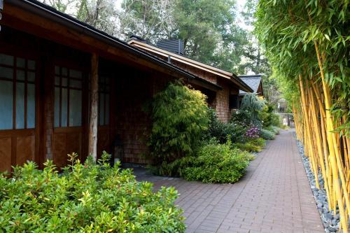 13540 Arnold Drive, Glen Ellen, California 95442, United States.