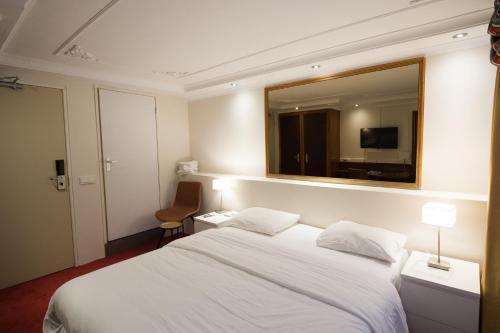 Rembrandtplein Hotel photo 7