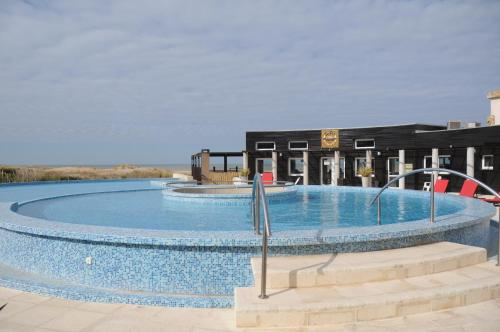 . Linda Bay Beach & Resort Spa
