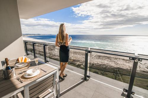 Premier Two-Bedroom Apartment with Ocean View - Higher Floor