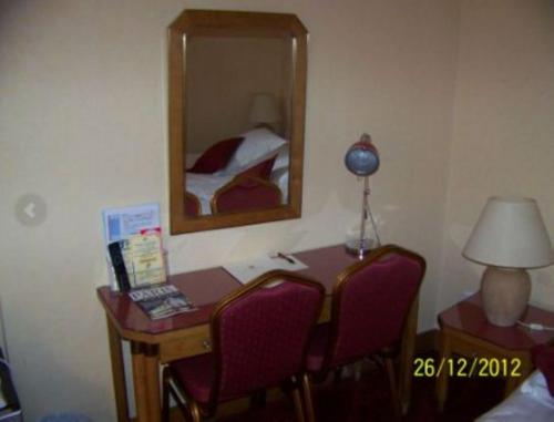 Hotel Royal Elysées photo 2